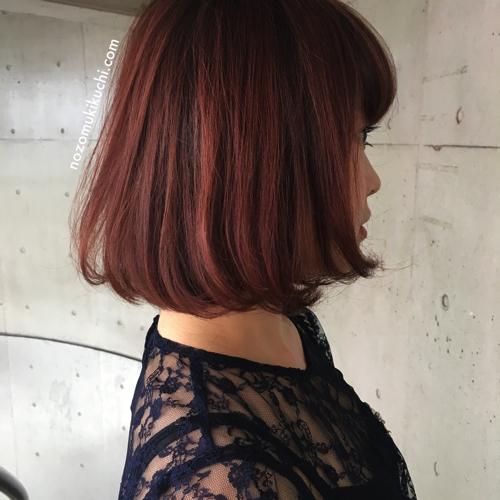 2016秋冬オススメ!根元を暗めにして立体感を出したベリーピンクカラーボブ!