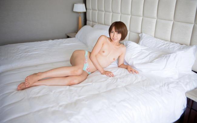 【ヌード画像】高梨あゆみのショートヘアが可愛いヌード画像(30枚)
