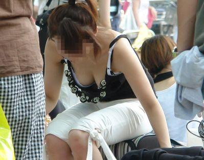 【ヌード画像】キャミソールとか言うエロ的には超優良な服装が、普通に街中でも見れるようになった幸せをかみしめるキャミのエロ画像集(50枚)