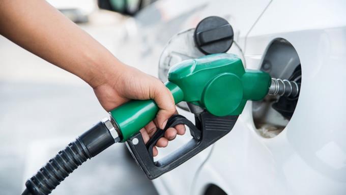 Suben RD$4.50 a la gasolina y RD$4.60 al gasoil