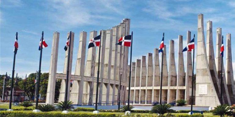 Ministerio de Trabajo reitera feriado Día de la Constitución es el 09 de noviembre, toque de queda es a las 7:00 de la noche