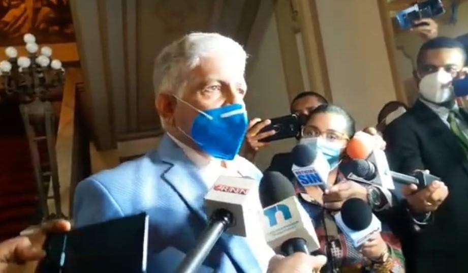 Presidente del Senado, Eduardo Estrella pide cautela a quienes piden flexibilizar medidas sanitarias en Navidad