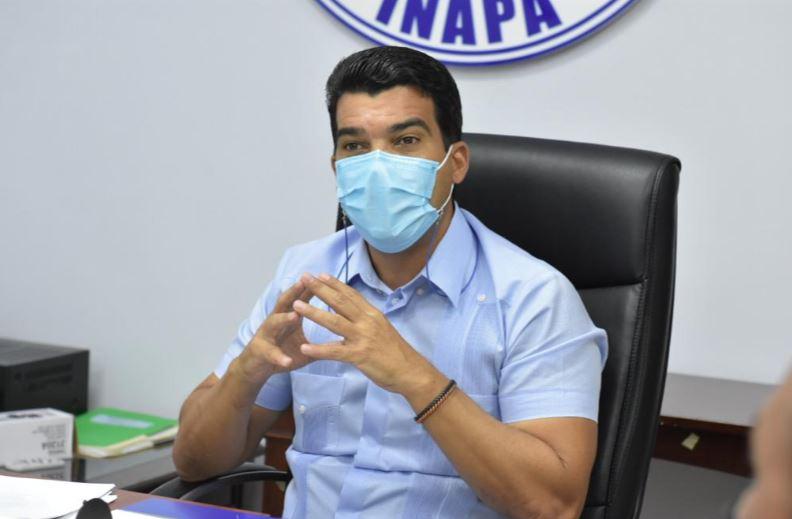 Senado convierte en ley reforma a Ley de Inapa para habilitar a Wellington Arnaud