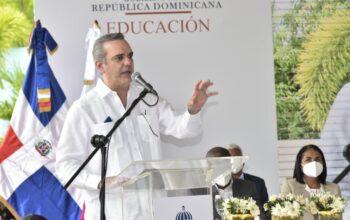 Abinader defiende el empleo durante expansión parque Zona Franca en Santiago