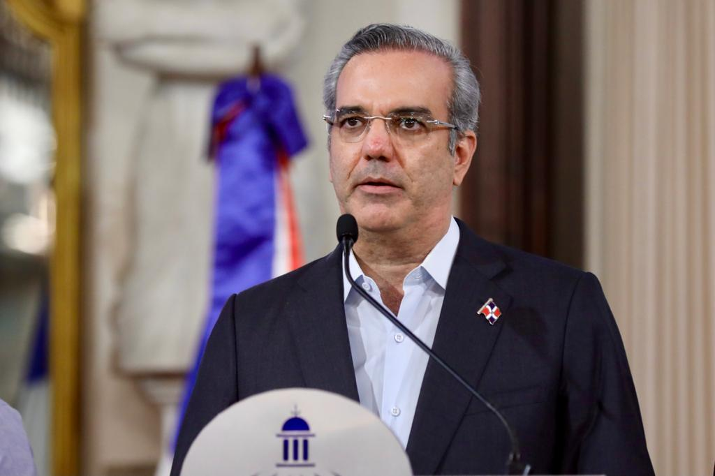 Abinader pone Gobierno dominicano a disposición de Haití