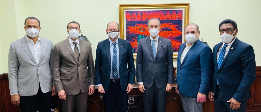 MESCYT y Embajada de Israel analizan proyectos de capacitación en investigación científica