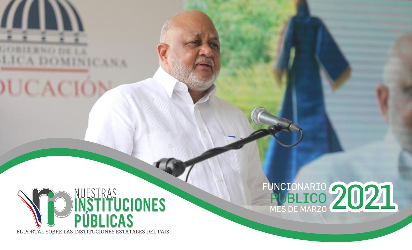 Ministro de Educación, Roberto Fulcar es el funcionario público del mes de marzo
