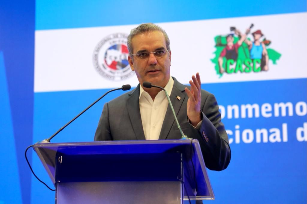 El presidente Abinader asegura trabajadores alcanzarán progreso, plenitud y felicidad