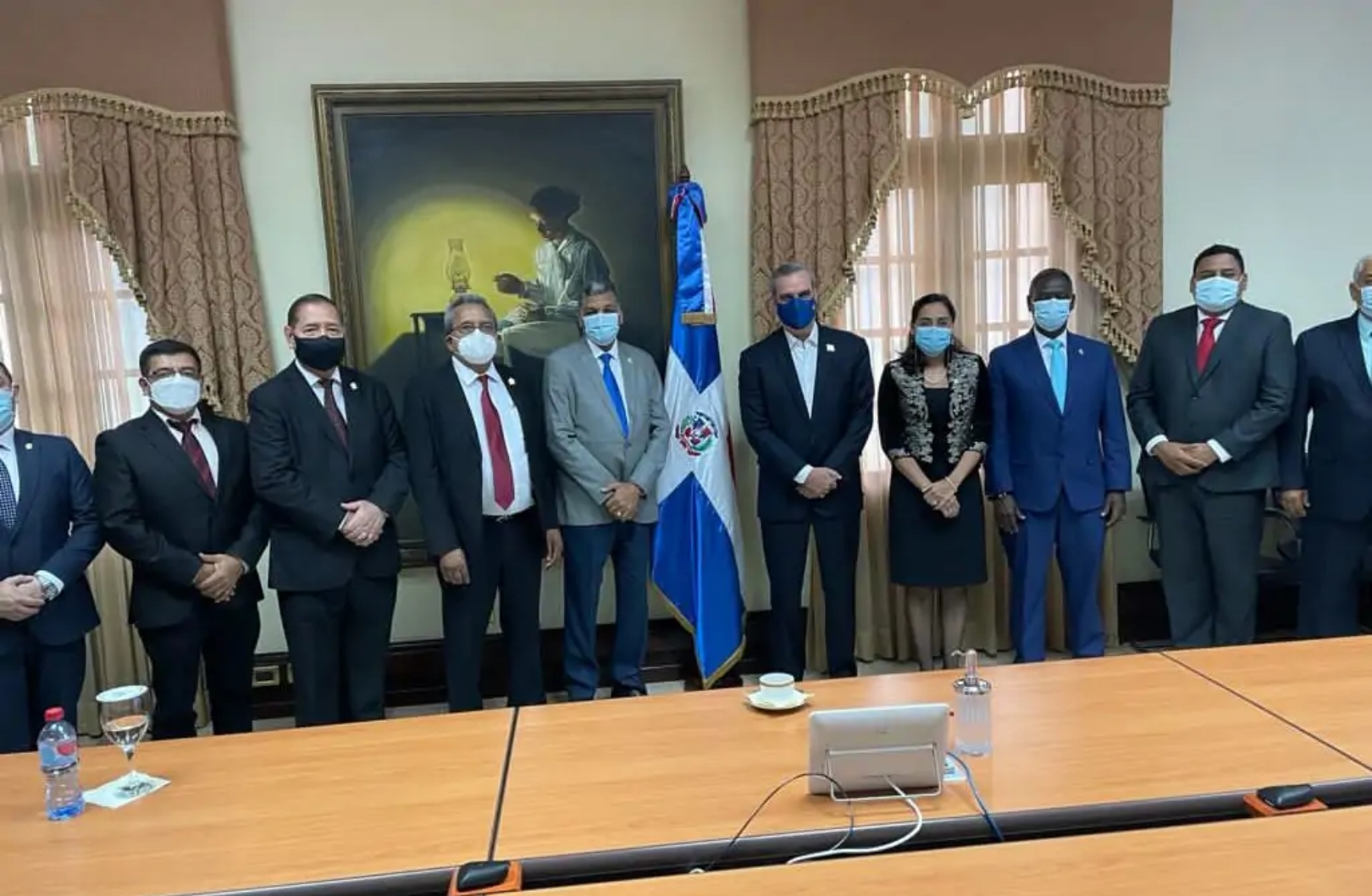 Abinader se reúne con Junta Directiva del PARLACEN