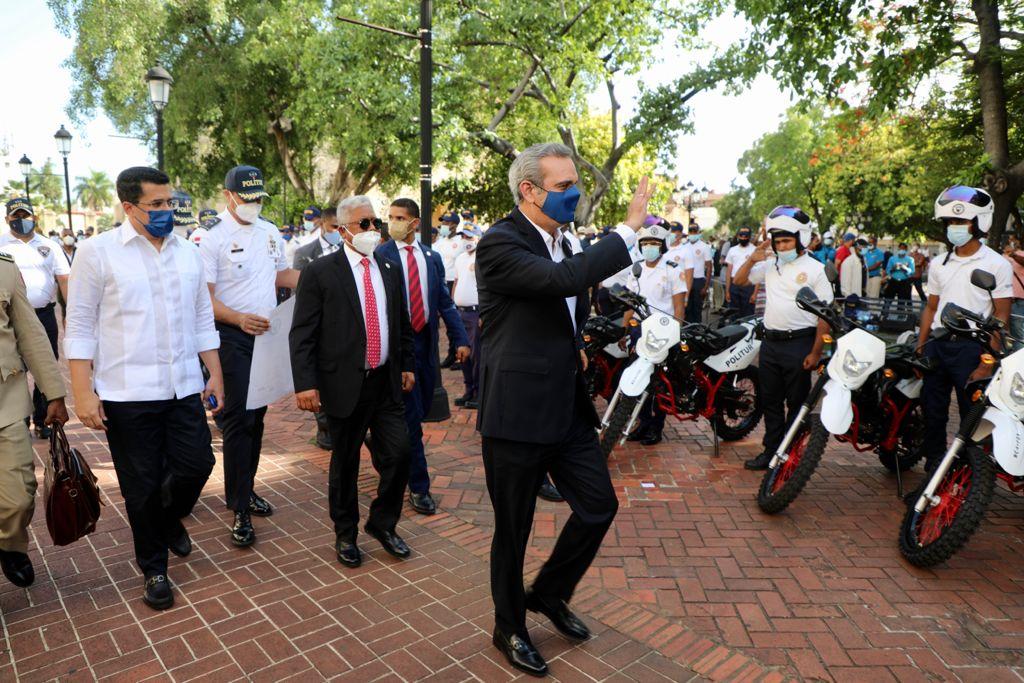 Abinader deja iniciado Plan de Seguridad en la Zona Colonial