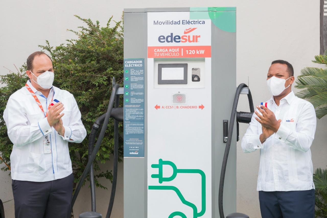 Edesur instala su primer cargador para vehículos eléctricos