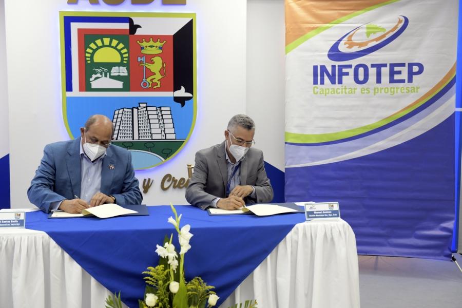 INFOTEP y Alcaldía Santo Domingo Este se unen para capacitar a jóvenes y madres solteras