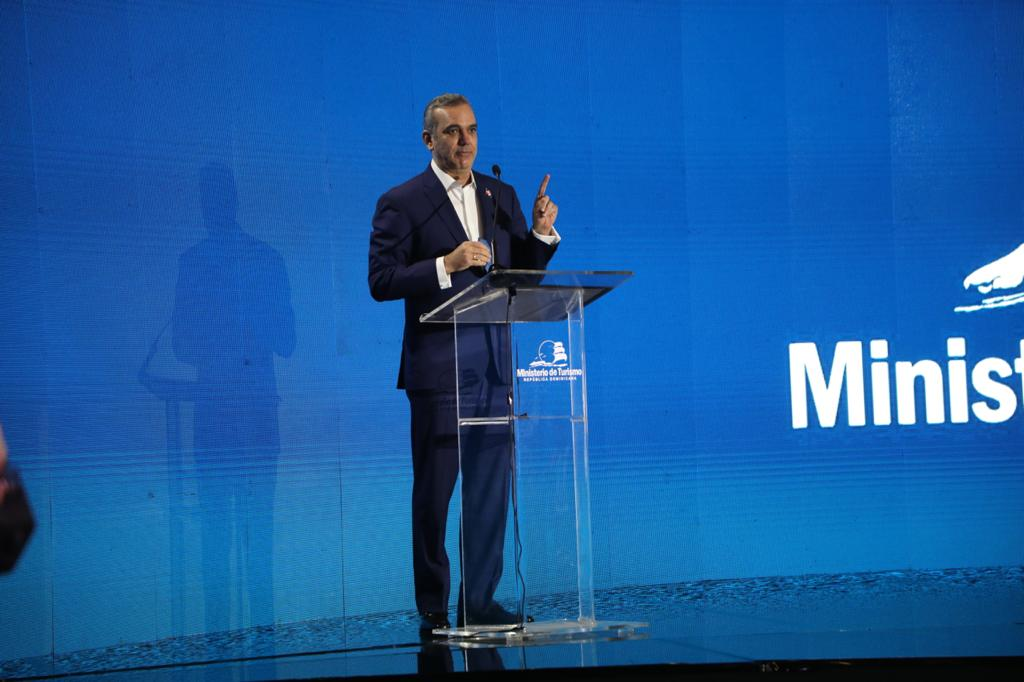 Presidente Abinader destaca recuperación 60 mil empleos directos en sector turismo