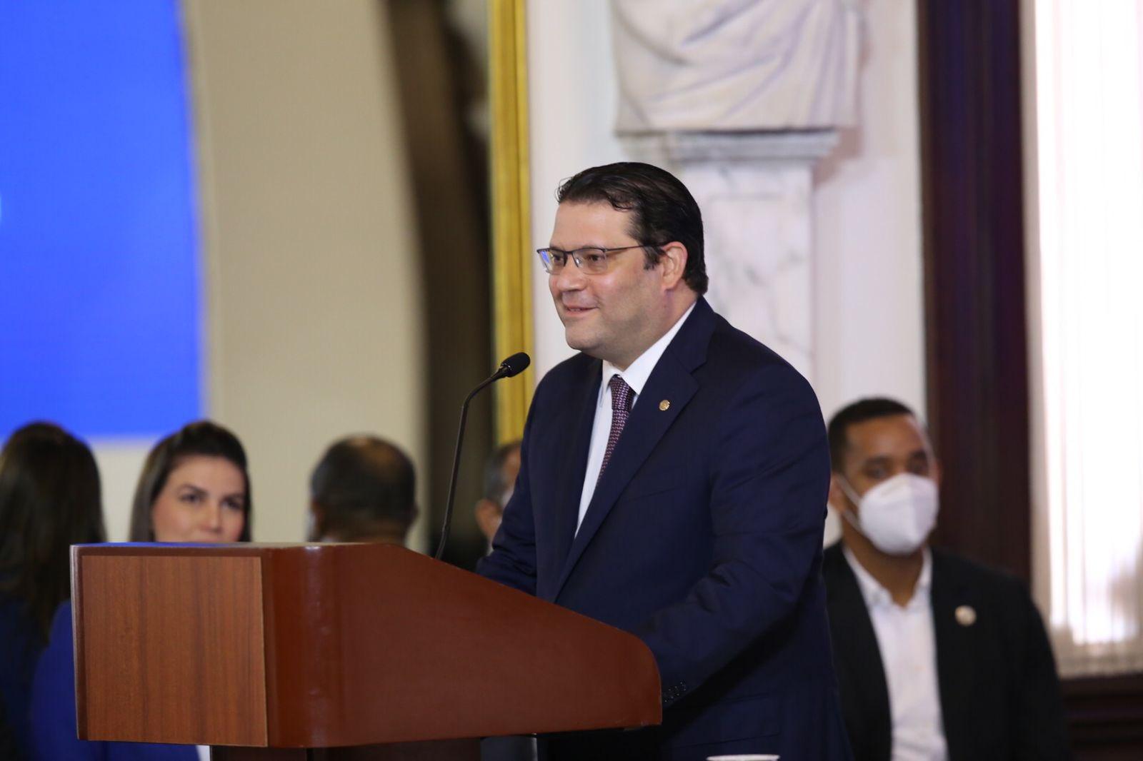 Eduardo Sanz Lovatón Director de Aduanas declaró que recientemente encontraron 5 millones de dólares en una bocina y más de 2 millones dentro de una bola de fútbol