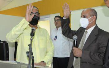 Ministro de Obras Públicas posesiona en su cargo al nuevo director de Embellecimiento de Carreteras