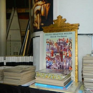Catalogos de arte de Silvio de la Cruz (Foto Nueva York Digital)