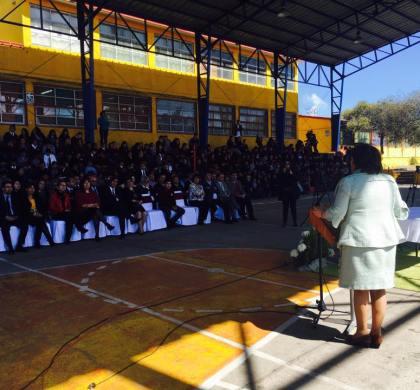 Ministra de Educación y alcalde Rodrigo Loyola firman convenio por la reconstrucción de la Escuela Mireya Zuleta