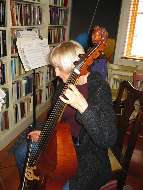 Jane Buyers on Viola di Gamba