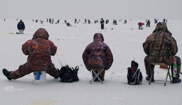 16 Ice Fishermen