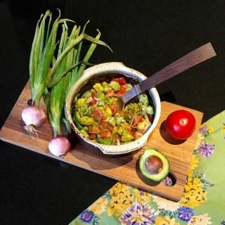 avocado tom salad w spring onion