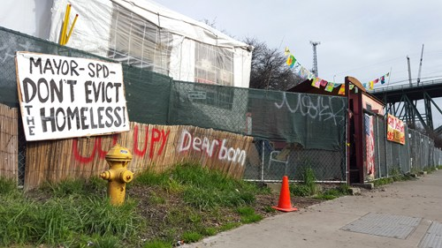 The homeless encampment at Dearborn and 10th in Seattle (Photo by Stacy Nguyen/NWAW)