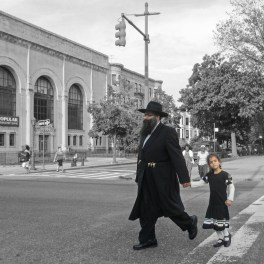crownheights_2012_eastern_pkwy_people_02