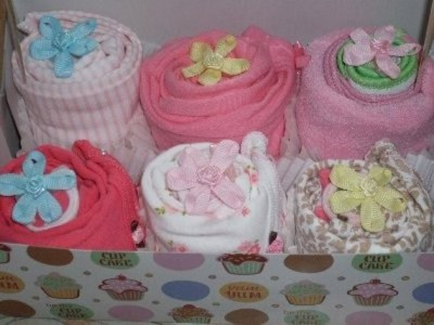 Welcome Baby Beautiful 17 Piece Sweet Cupcake Gift Set