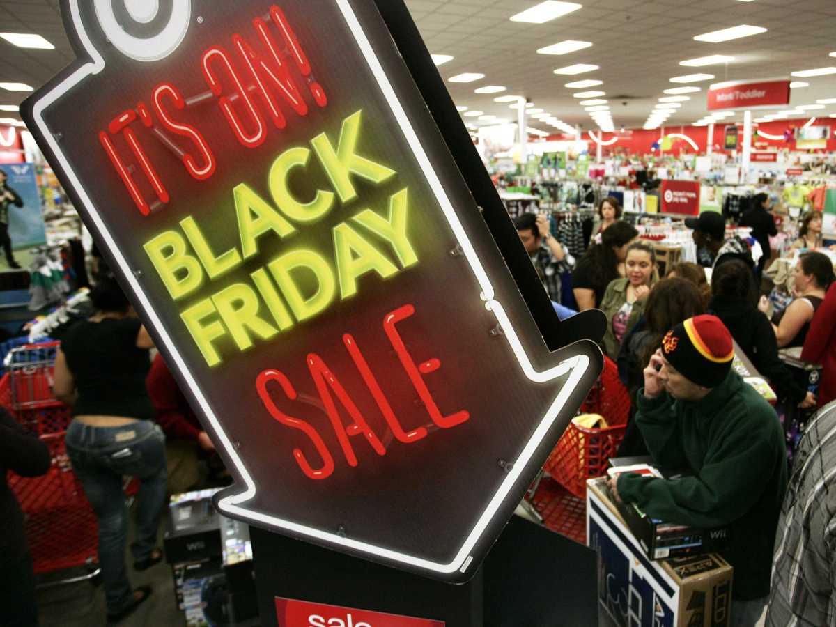 ABD'de Noel ve Yılbaşı Alışveriş Sezonu Başlıyor