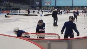 IceSkateWinterHockey1