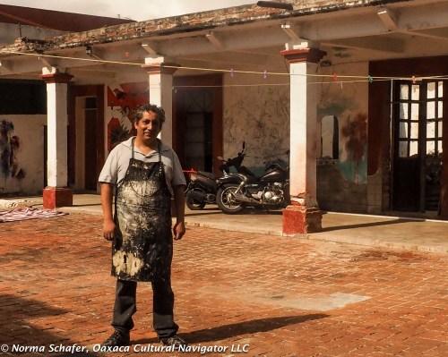 Portrait of Gabo Mendoza in his Xicotencatl workshop taller