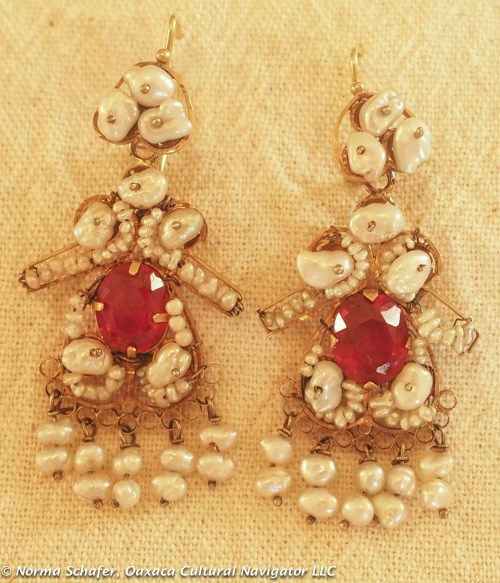 "Vintage 10K Gold filigree + pearl earrings, Muñeca's, 2-1/8"" long, $350 USD"