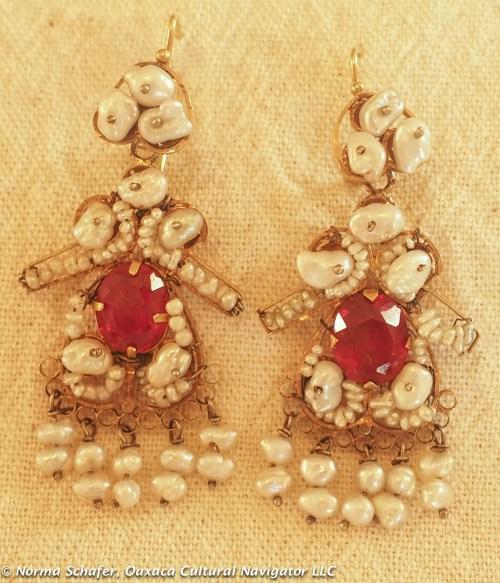 """Vintage 10K Gold filigree + pearl earrings, Muñeca's, 2-1/8"""" long, $350 USD"""