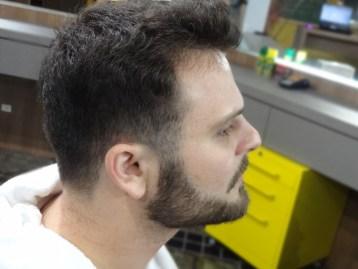 Felipe Pian, cuidado da barba no Barbeiro.