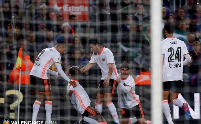 El Valencia da la cara pero cae ante el Barcelona (4-2), por @JordiSanchiss