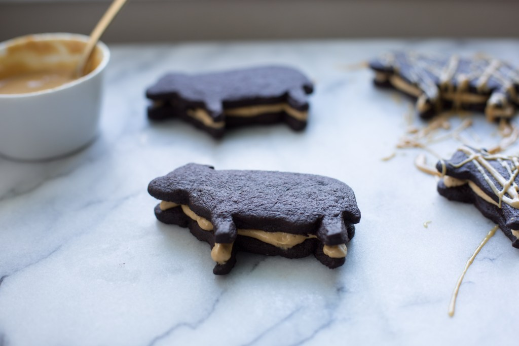 dark chocolate peanut butter cookie cows // ohhoneybakes.com