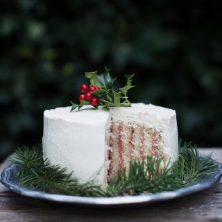 cranberry, vanilla bean and eggnog roll cake