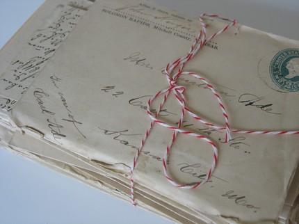 La Brocante Rose Vintage Letters1 La Brocante Rose