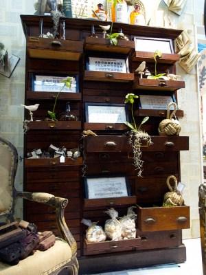 Twos Company NYIGF Cabinet 300x400 NYIGF, Part2