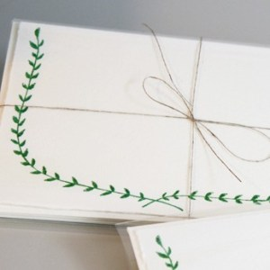 linea carta garland card 300x300 Sweet Note Cards