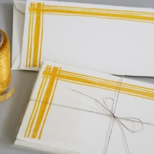 yellow plaid linea carta 300x300 Sweet Note Cards