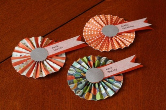 Paper Rosette Place Cards 550x365 Wedding Details: Escort Cards and Place Cards, Part 2