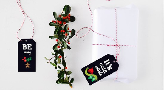 Dark Christmas Tags Funkytime 550x302 DIY Holiday Gift Wrap Ideas