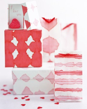 Martha Stewart Dip Dye Wrapping Paper 300x375 DIY Holiday Gift Wrap Ideas
