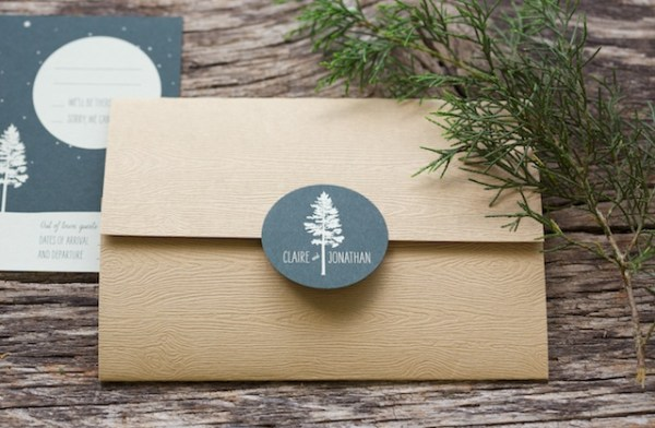Woodsy Lodge Wedding Invitations Sarah Jane Winter 600x392 Claire + Johns Woodsy Lodge Wedding Invitations