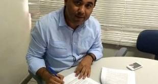 Corte na carne: Prefeito de Mauriti reduz o próprio salário e de secretários