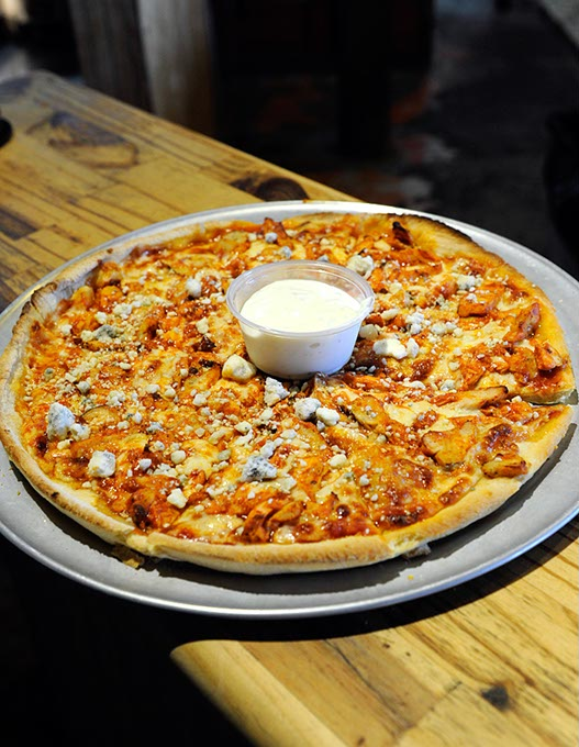 Thunder Pizza at Jo's Famous Pizza in Edmond (Garett Fisbeck)