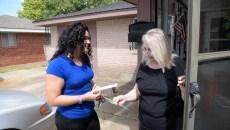 Elizabeth Larios talks with Patricia Fernandez in Moore, Thursday, Aug 18, 2016.  (Garett Fisbeck)