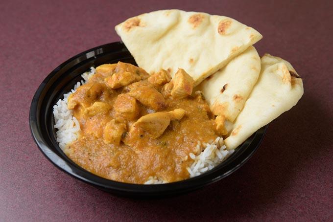 Chicken Curry With U003cemu003enaanu003c/emu003e ...