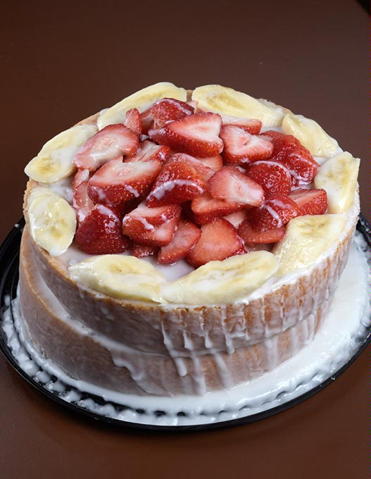Strawberry-banana cake at Leo's Barbecue (Garett Fisbeck / file)