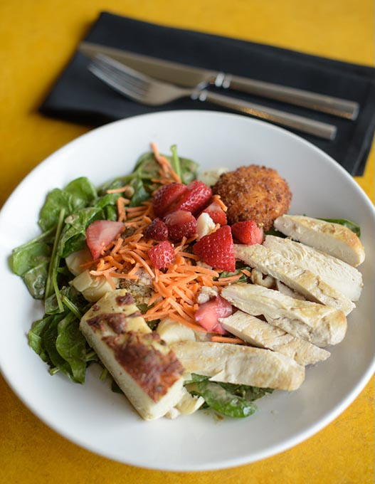 Fresh strawberry and spinach salad at Cafe 501 (Garett Fisbeck)